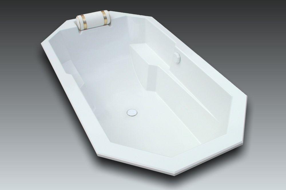 Baignoire octogonale genova 190x105cm watergame company for Grande baignoire encastrable